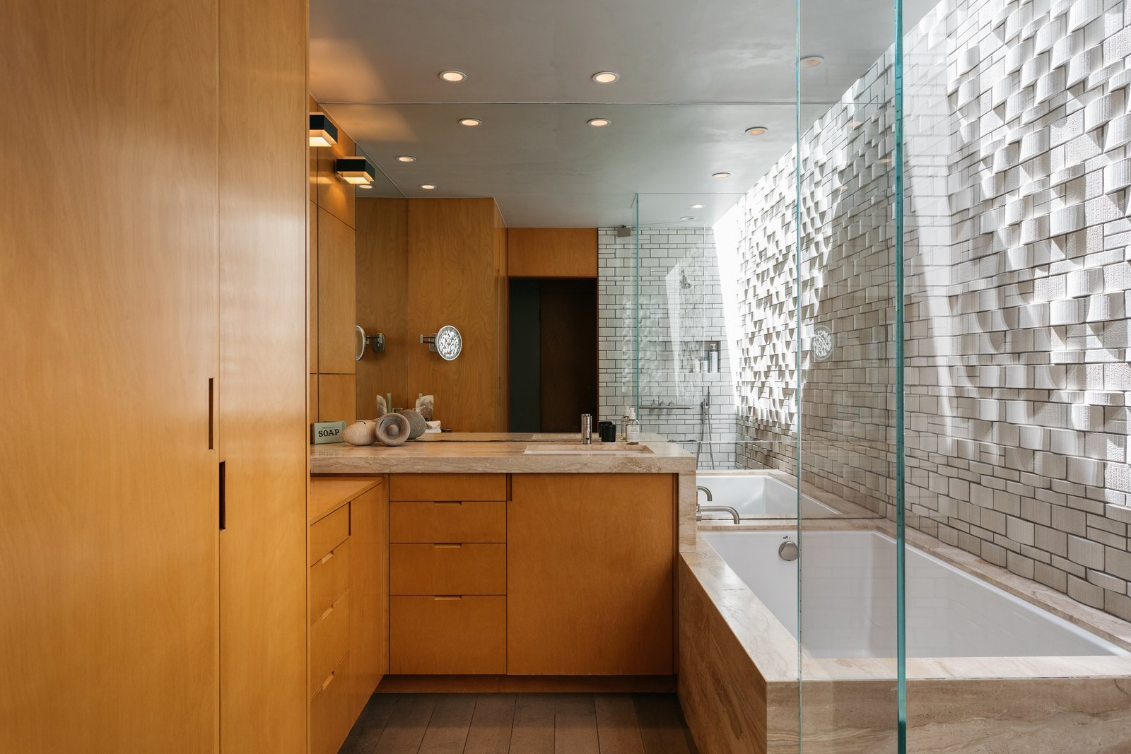 Richard Neutra Wilkins House Case Study House #13 master bath
