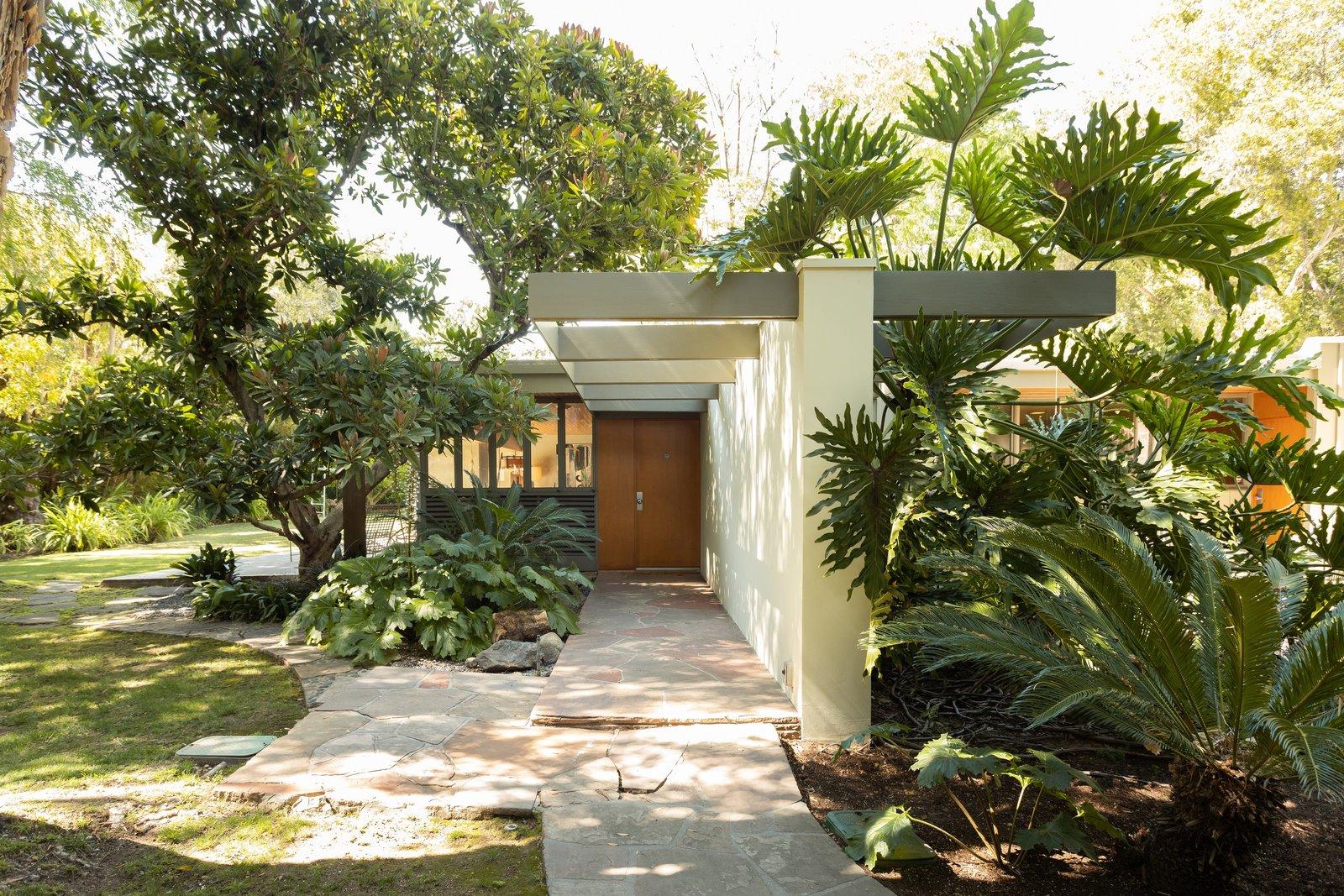 Richard Neutra Wilkins House Case Study House #13  entrance