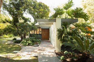 Richard Neutra's Impeccably Updated Wilkins House in Southern California Asks $6M
