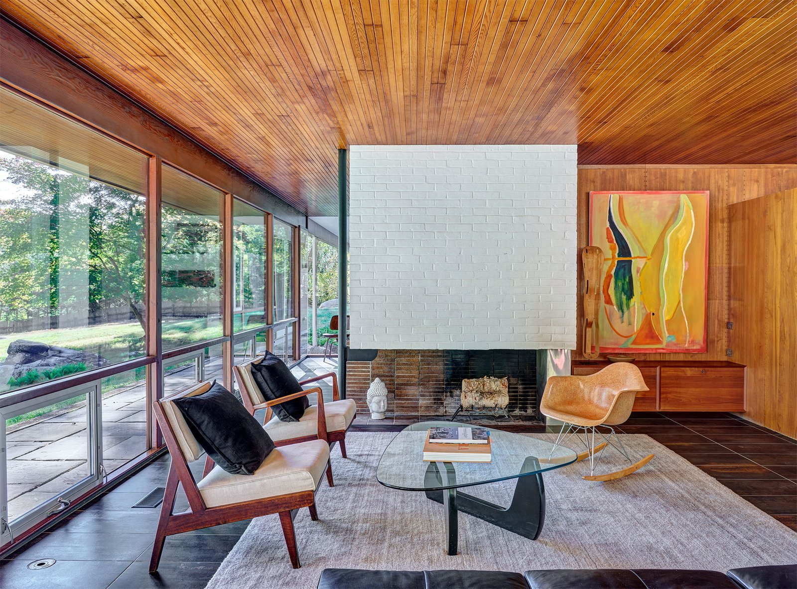Living area of the Glen House by Richard Neutra