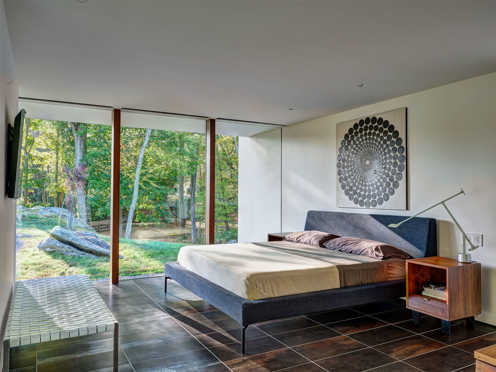 Bedroom of the Glen House by Richard Neutra