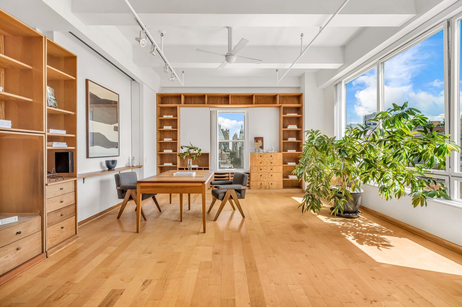 Library in Susan Sarandon's Chelsea Duplex Loft