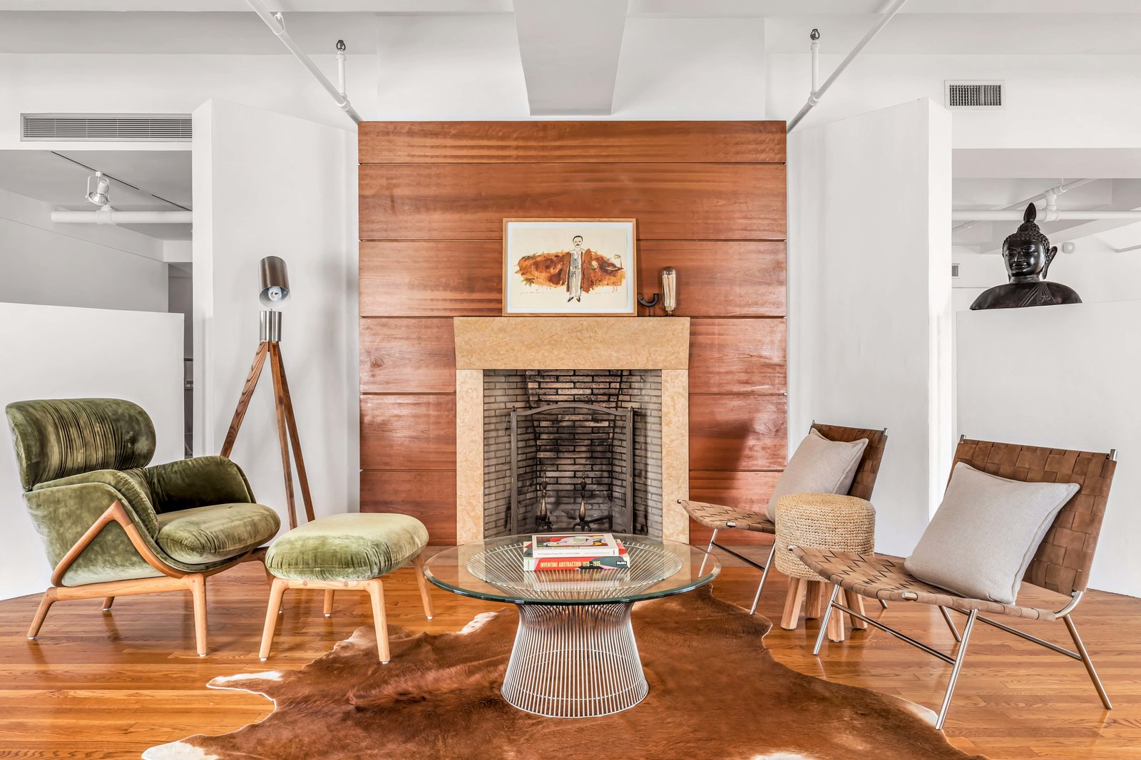 Den in Susan Sarandon's Chelsea Duplex Loft