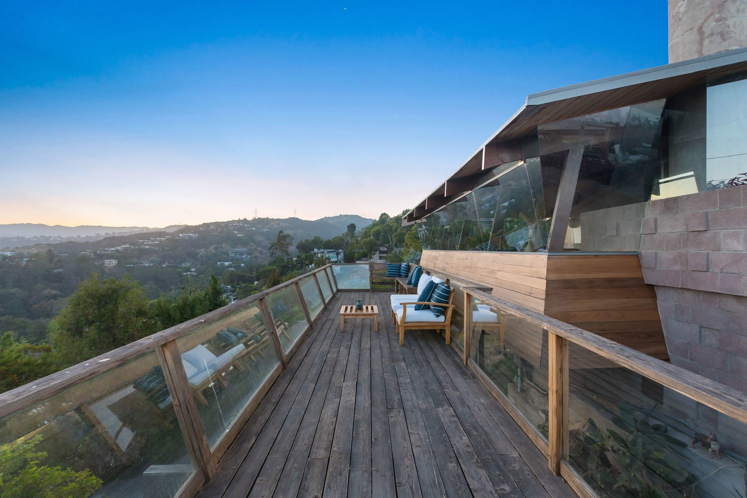 The Shneidman House 925 Stonehill Lane   A. Quincy Jones and Whitney R. Smith Los Angeles Real Estate Brentwood