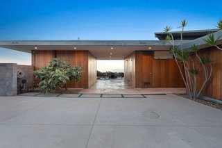 A. Quincy Jones and Whitney R. Smith's Historic Schneidman House Lists for $3.8M