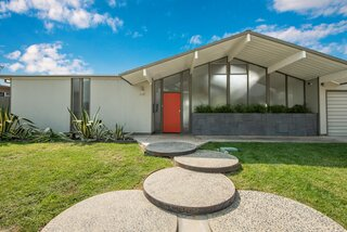 An Eye-Catching Eichler Home in Southern California Lists for $1.1M