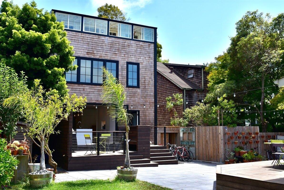 Berkeley Renovation Backyard indoor-outdoor living