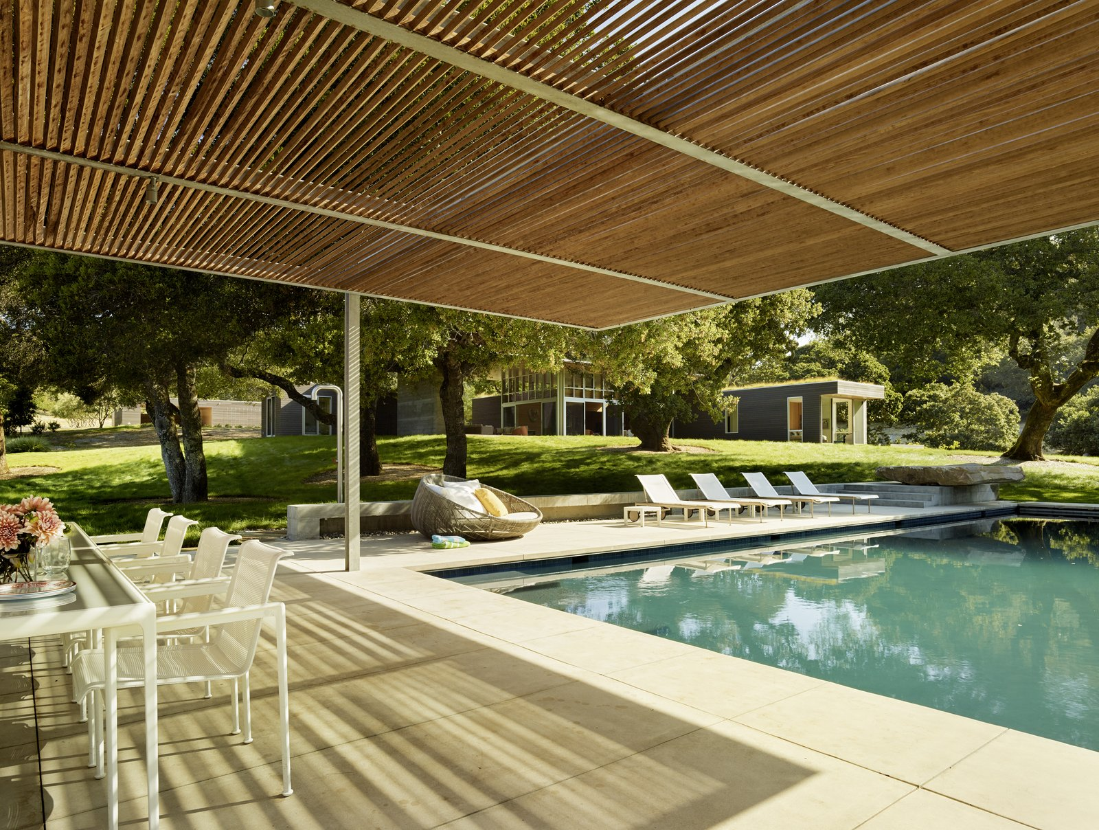 #TurnbullGriffinHaesloop #exterior #pool #shading  Sonoma Residence by Turnbull Griffin Haesloop Architects