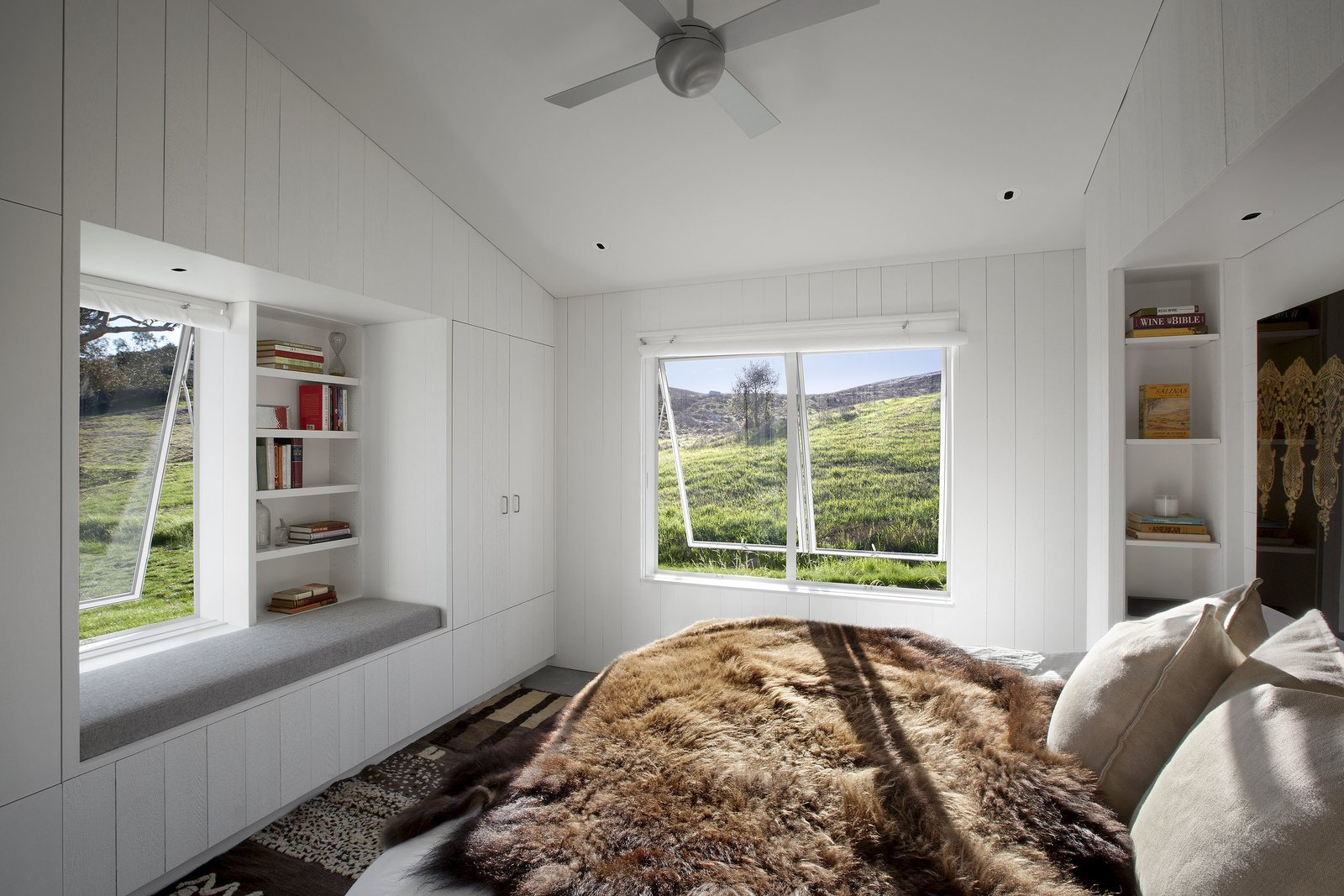 Bedroom and Bed #TurnbullGriffinHaesloop #interior #bedroom #windowseat  Hupomone Ranch by Turnbull Griffin Haesloop Architects