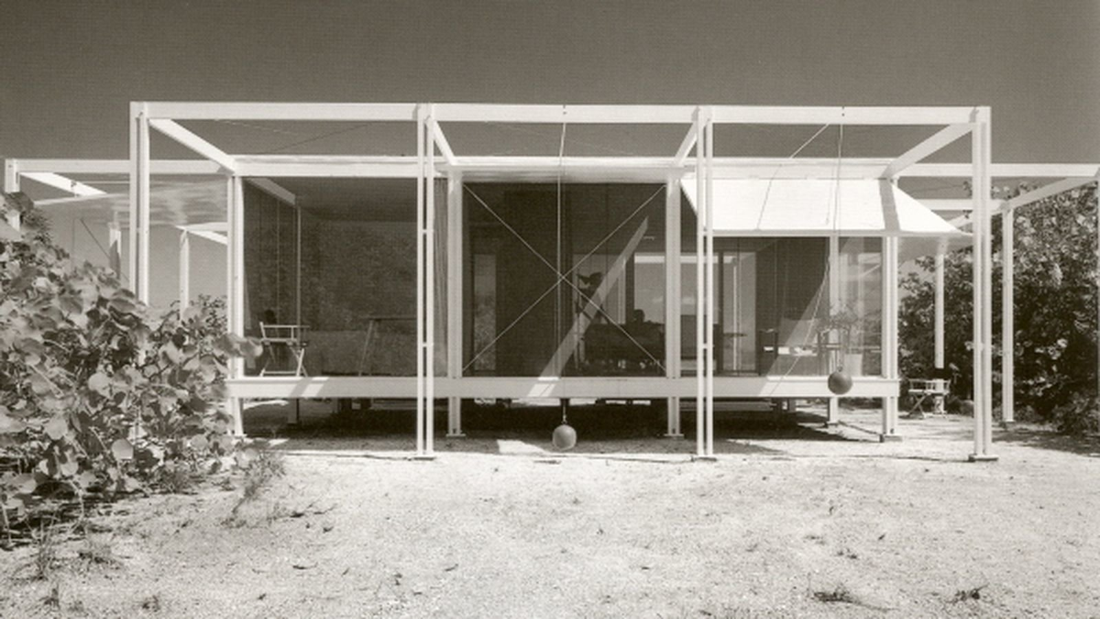 Paul Rudolph - Florida beach house with counterweighted shutters.  Surf Shacks
