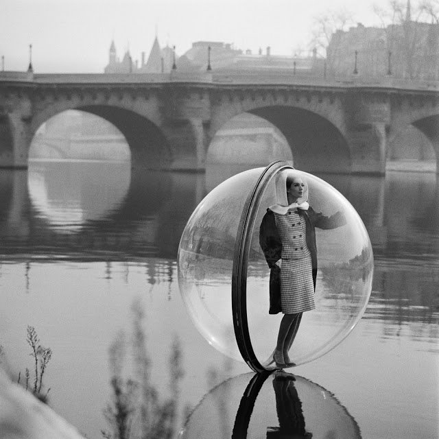 Melvin Sokolsky for Harper's Bazaar, 1963.  Pneumatic Design