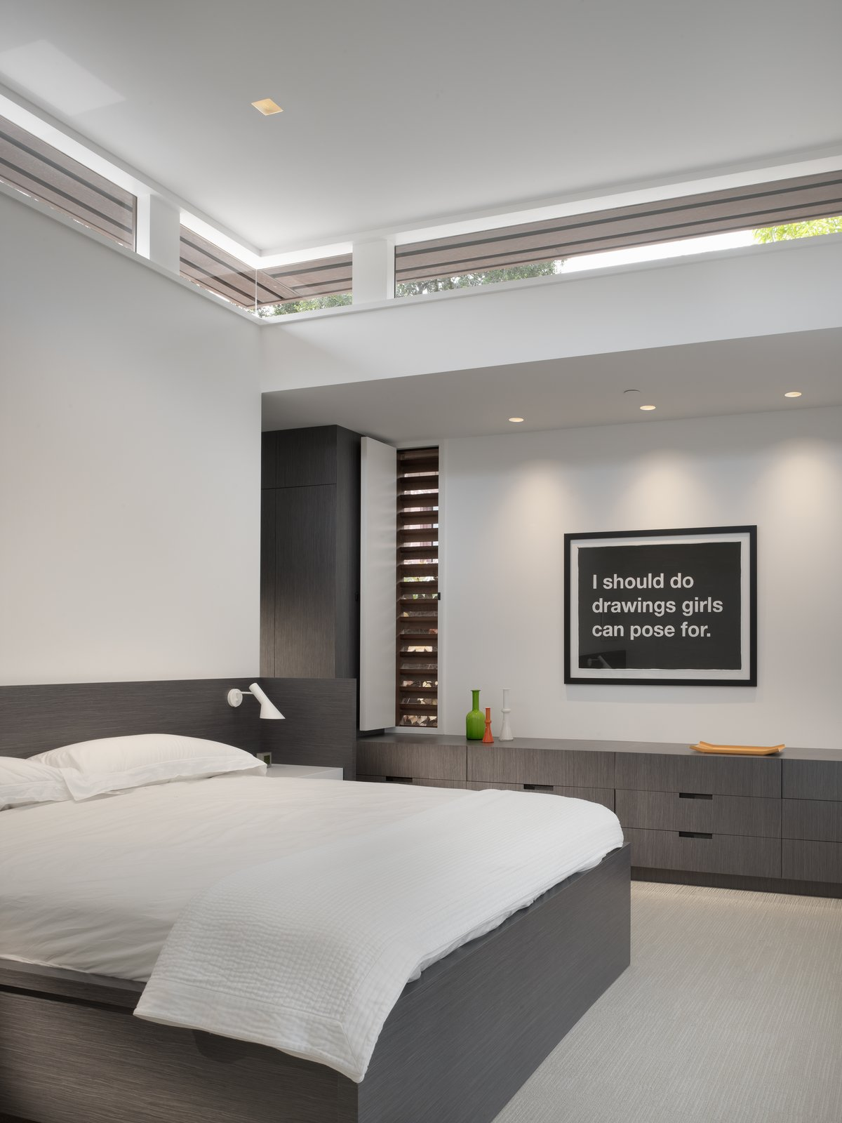 Master Bedroom  MV House by Chris Deam