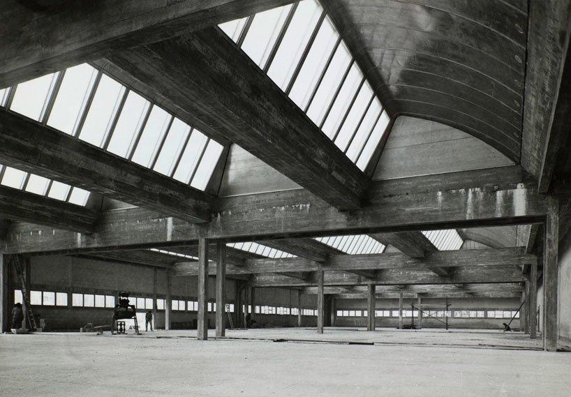 Jean Prouvé, Mame Printing Press, Tours, France.  Photo Fonds Jean Prouvé  windows & skylights