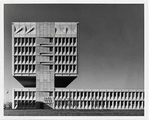 Marcel Breuer, Armstrong Rubber Co. Headquarters, West Haven, Conn., 1970 / unidentified photographer. Marcel Breuer papers, 1920-1986. Archives of American Art, Smithsonian Institution.  marcel breuer