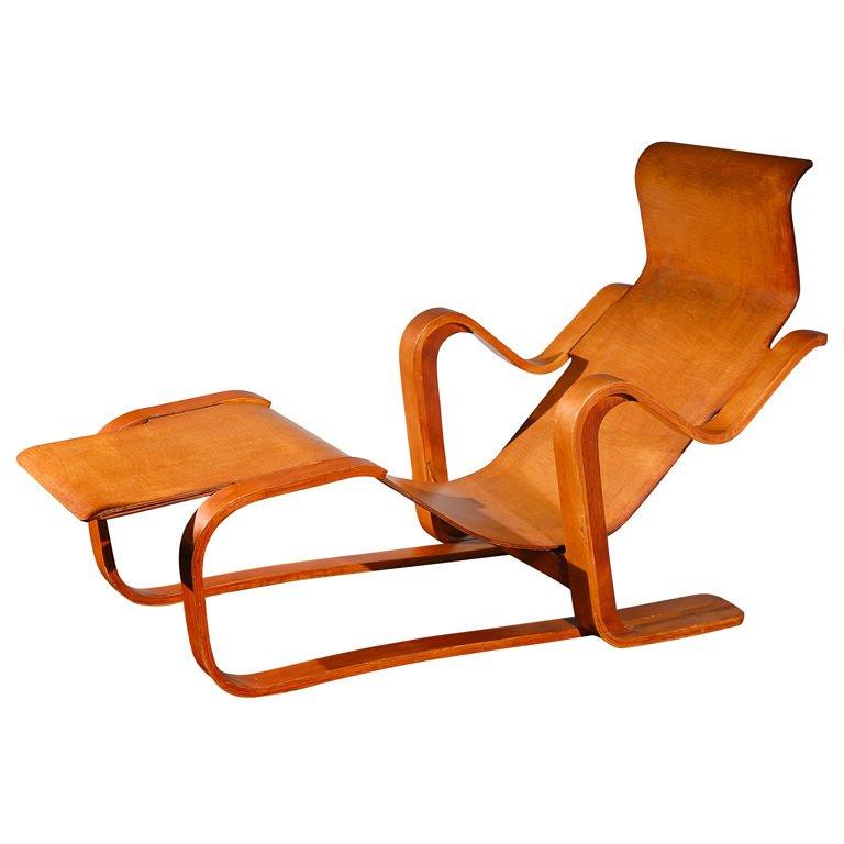 "Isokon ""Long Chair"" by Marcel Breuer , United Kingdom, 1937.  Photo: Sam Kaufman Gallery, via 1st Dibs.  lounge chairs"