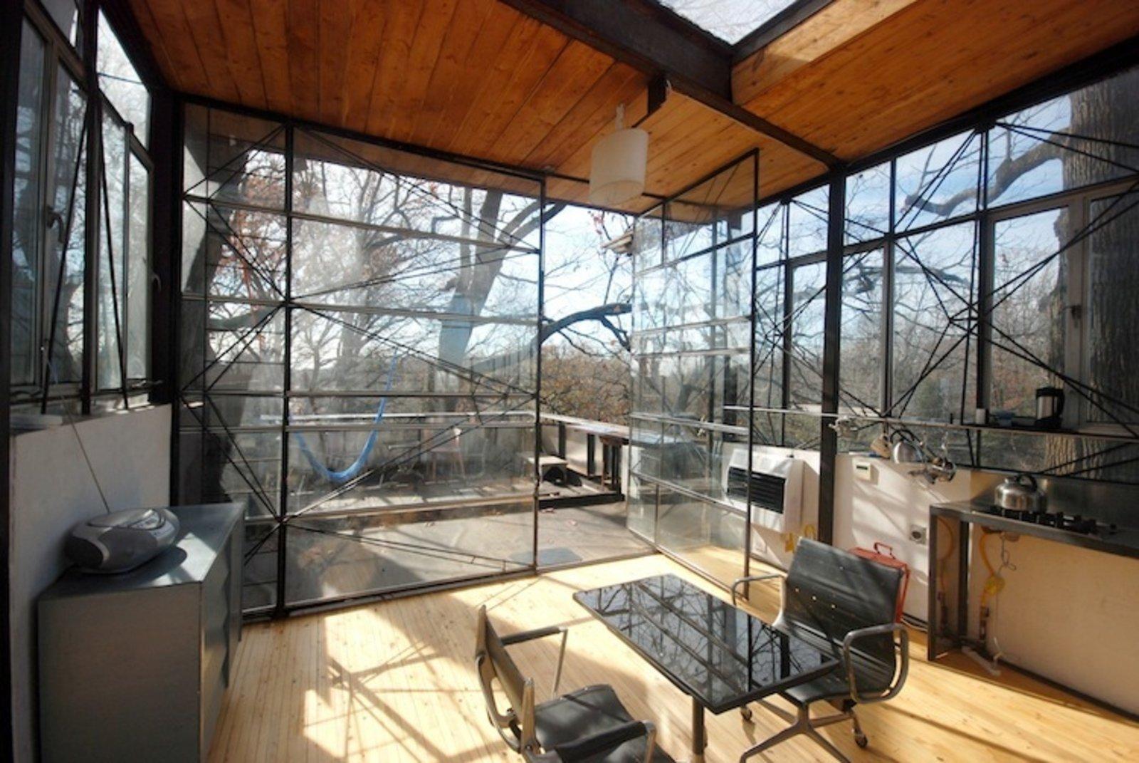 A Treeline Terrace Channelling Philip Johnson (Atlanta, Georgia)  Photo 11 of 16 in 15 Modern Summer Rentals