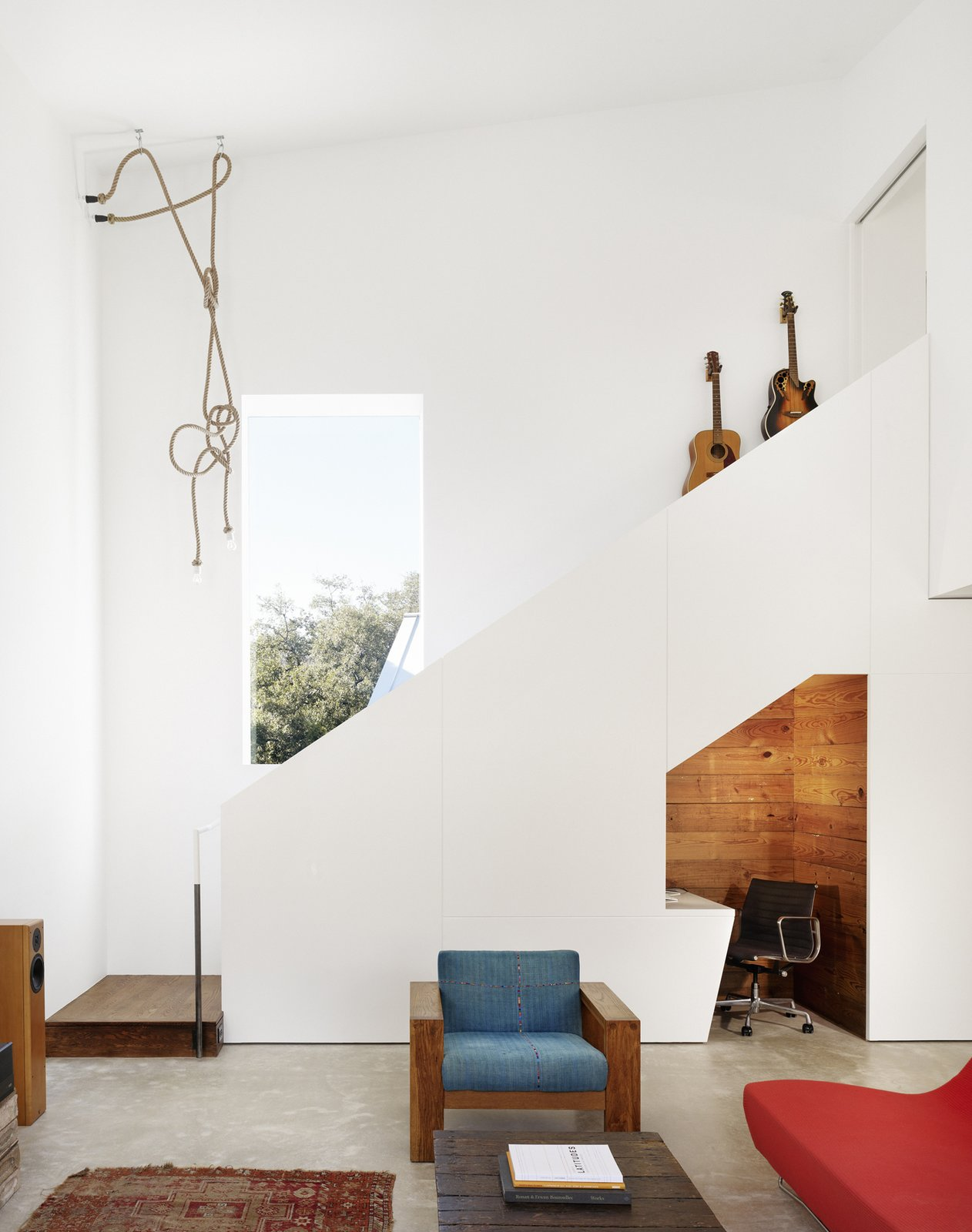 Living room  Hillside Residence by alterstudio architecture