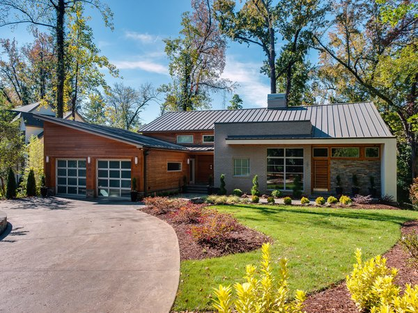 Photo 3 of 11 in Move Into This Midcentury Modern Revival in ...