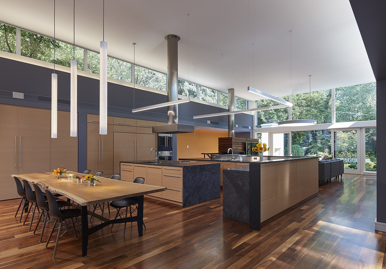 Courtyard residence Kuklinski + Rappe Architects Chicago dining room kitchen