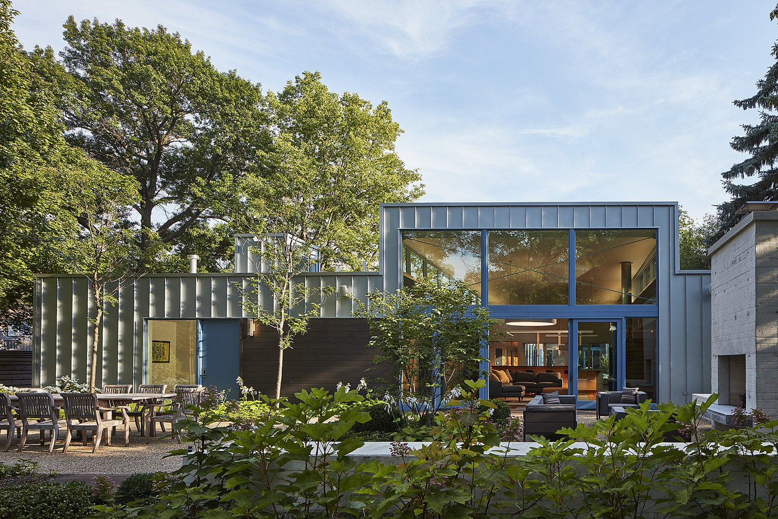 Courtyard residence Kuklinski + Rappe Architects Chicago backyard