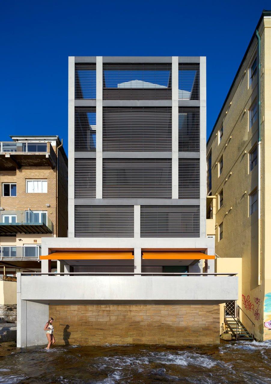 #designmilk #bondibeach #tobiaspartners  A Dream-Worthy Beach House at Bondi Beach