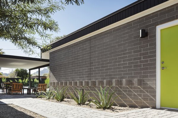 Detached Garage with shadow block detail