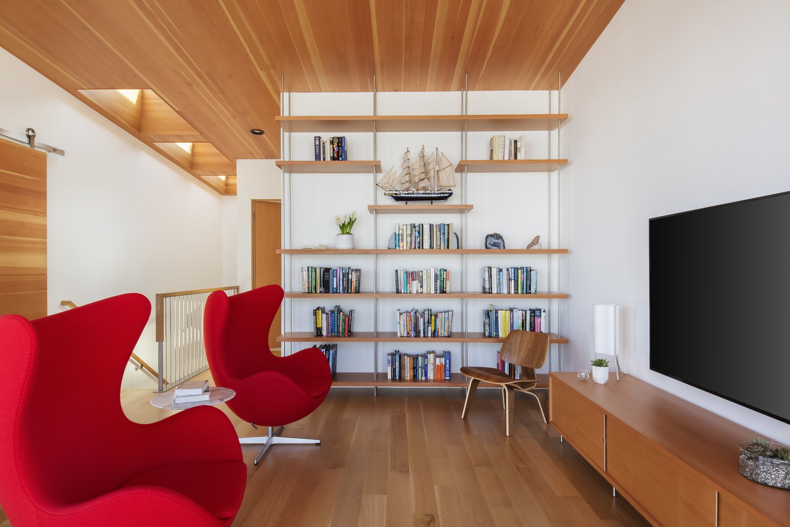 Media Loft  Roads End Beach House by Giulietti / Schouten AIA Architects