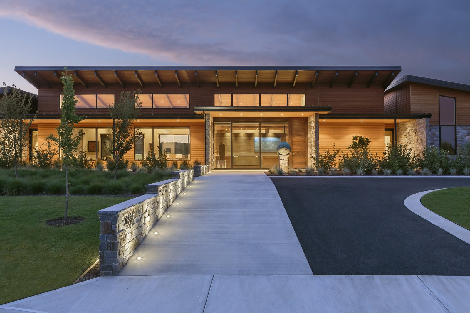Entry Approach  Westwind Residence by Giulietti / Schouten AIA Architects