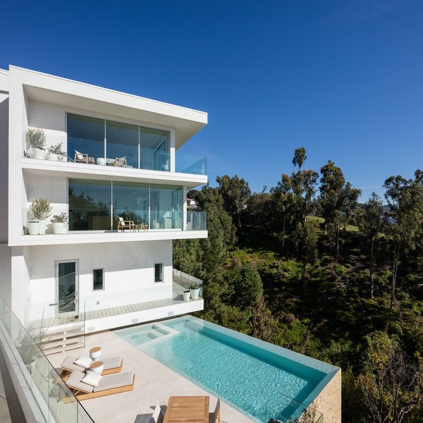 Viewing Decks and Infinity Pool