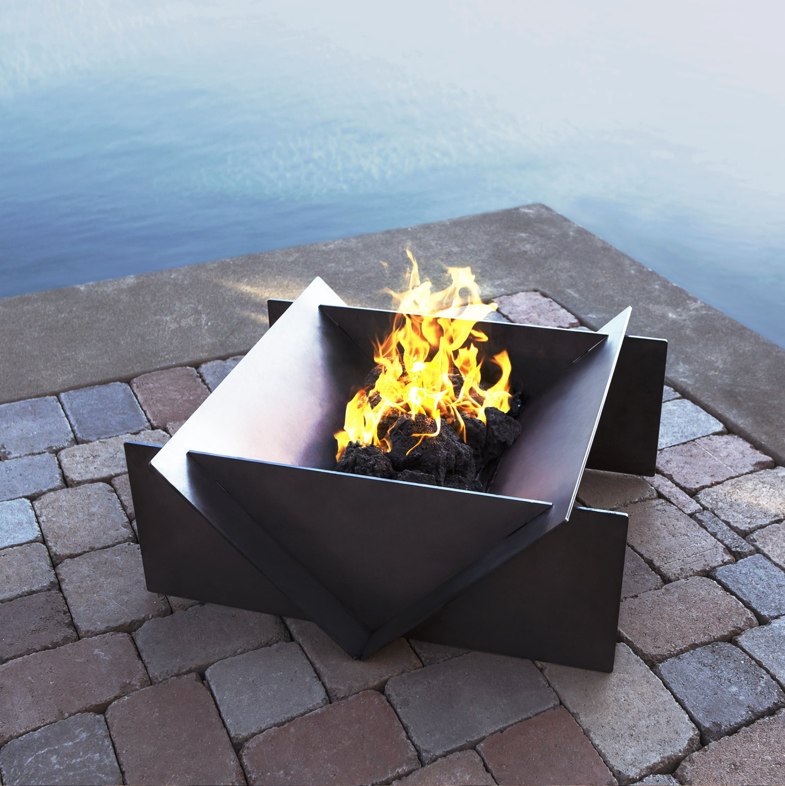 Outdoor The large Stahl firepit made of raw A36 quarter inch hot rolled  steel Photo 6 - Photo 6 Of 8 In Gather Around These 7 Modern Fire Pit Designs From