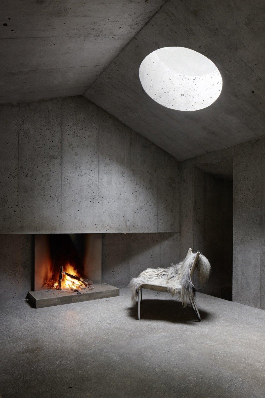 #alpinemodern #design #lifestyle #modern #elevatedliving #quiestdesign #refugeinconcrete #concrete   Photo courtesy of Ralph Feiner   Refuge in Concrete