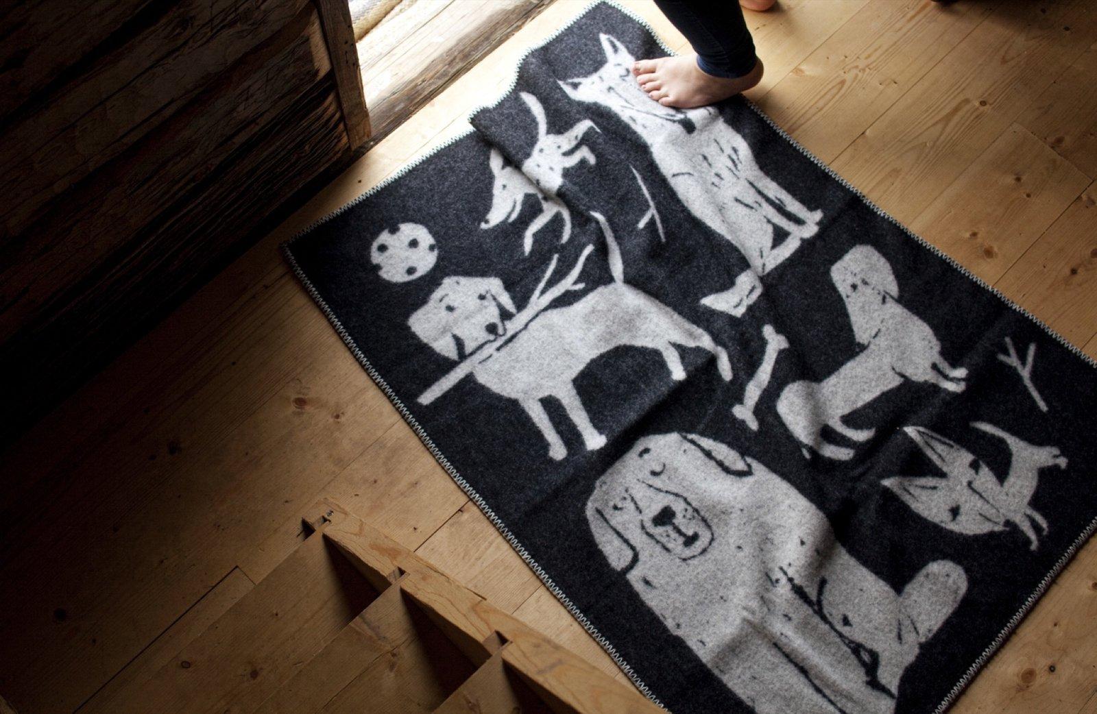 Lapuan Kankurit KOIRAPUISTO wool blanket  Photo 18 of 20 in The Weavers of Lapua