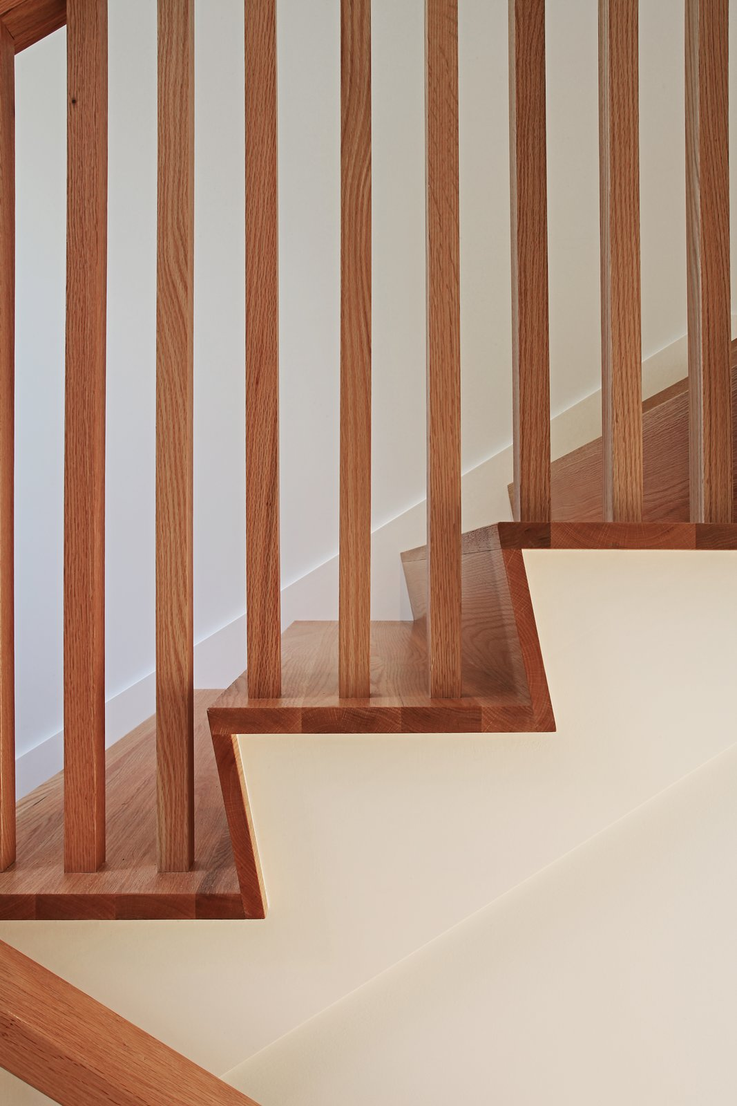Continuous wood riser/ tread detail  Higgins Lake House by Jeff Jordan Architects