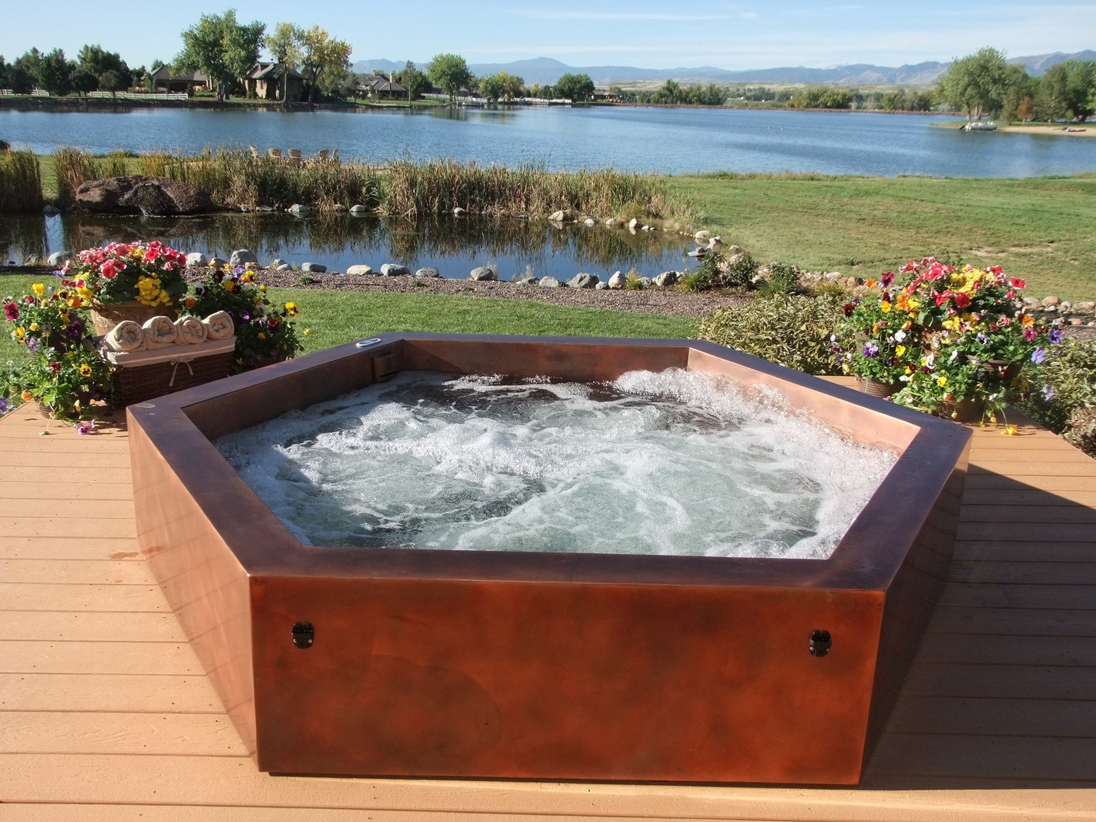 Copper Above Ground Hot Tub  Photo 7 of 11 in 10 Modern Hot Tubs