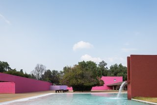 Water is featured in most of Barragán's work as a sensory element. Here, a fountain and a large pool provide a sound barrier and a place for reflection.
