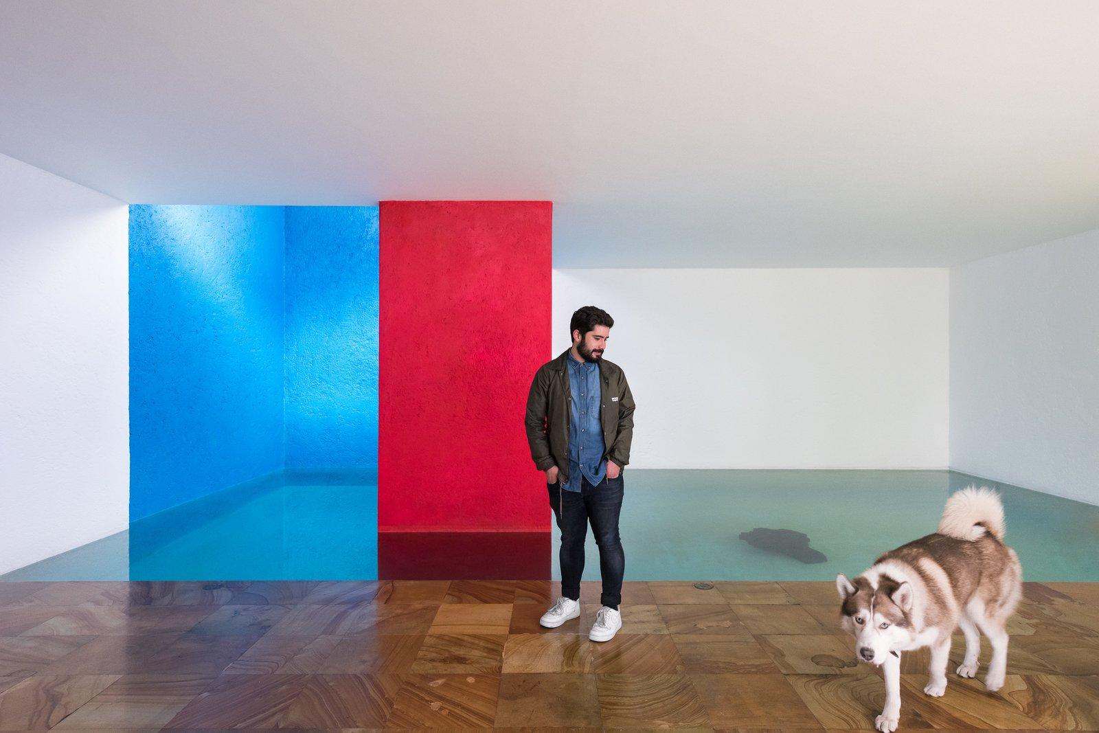 Eduardo Luque and Bruno inside Casa Gilardi