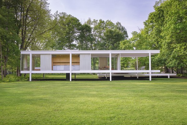 Floods Threaten the Farnsworth House Every Year—Now, a Plan to Save It