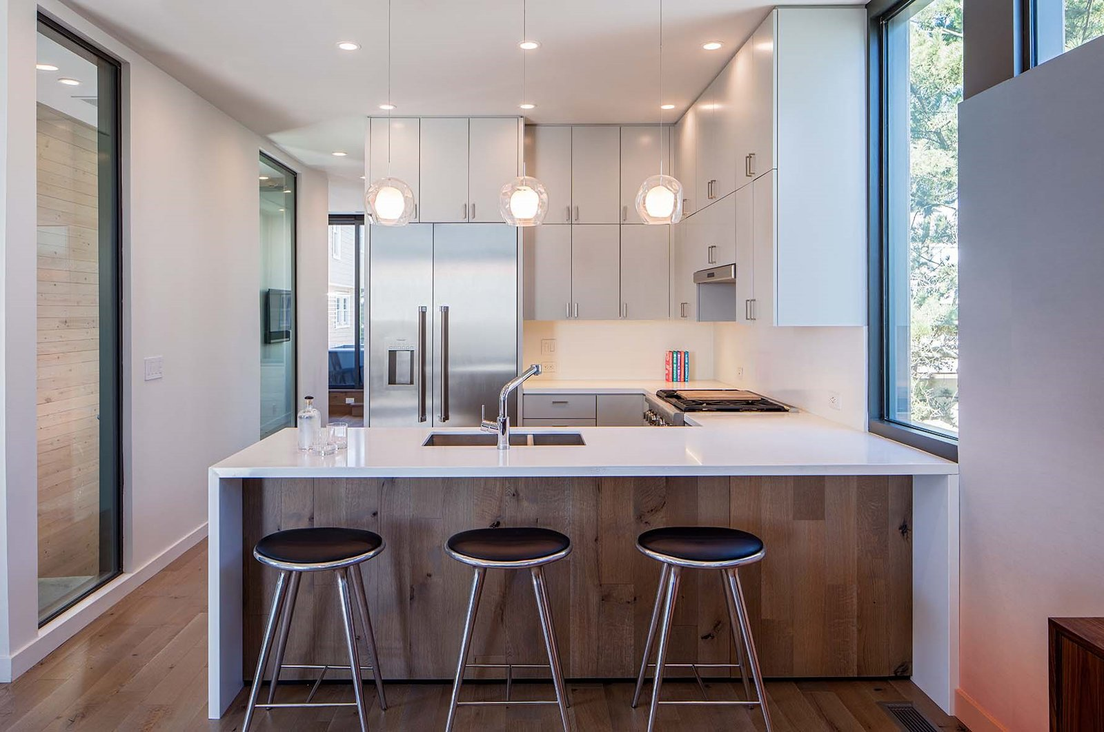 Beach Haven Residence, Kitchen.   Beach Haven Residence by Specht Architects