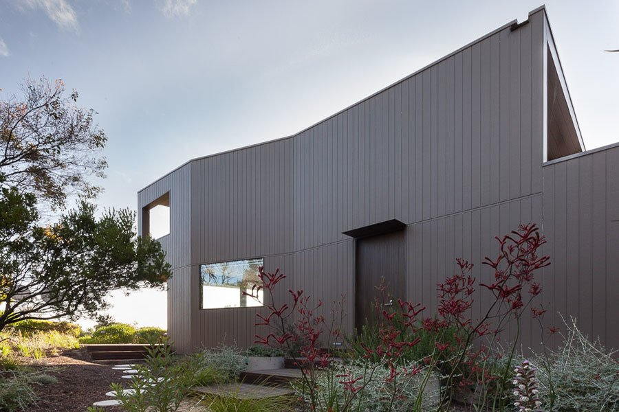 Outdoor, Side Yard, Trees, and Shrubs Side Facade  Residence J&C by Open Studio Pty Ltd Architecture