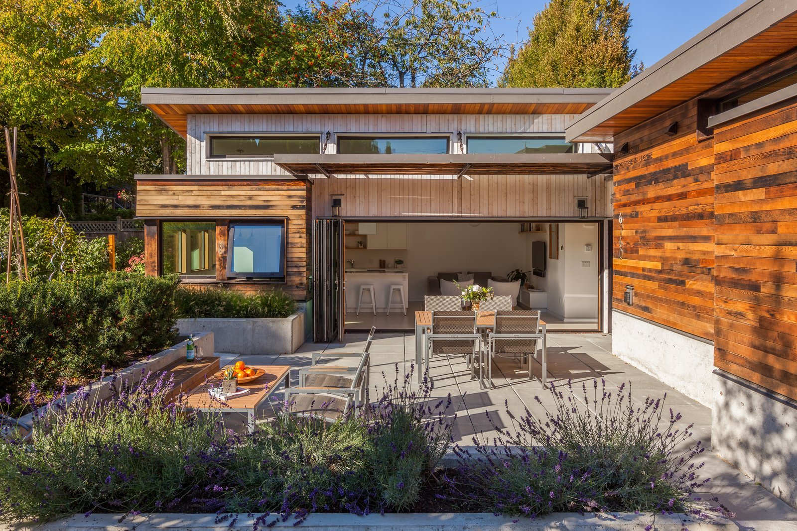 Photo 1 of 12 in 11 of Our Favorite Pacific Northwest Homes From the ...