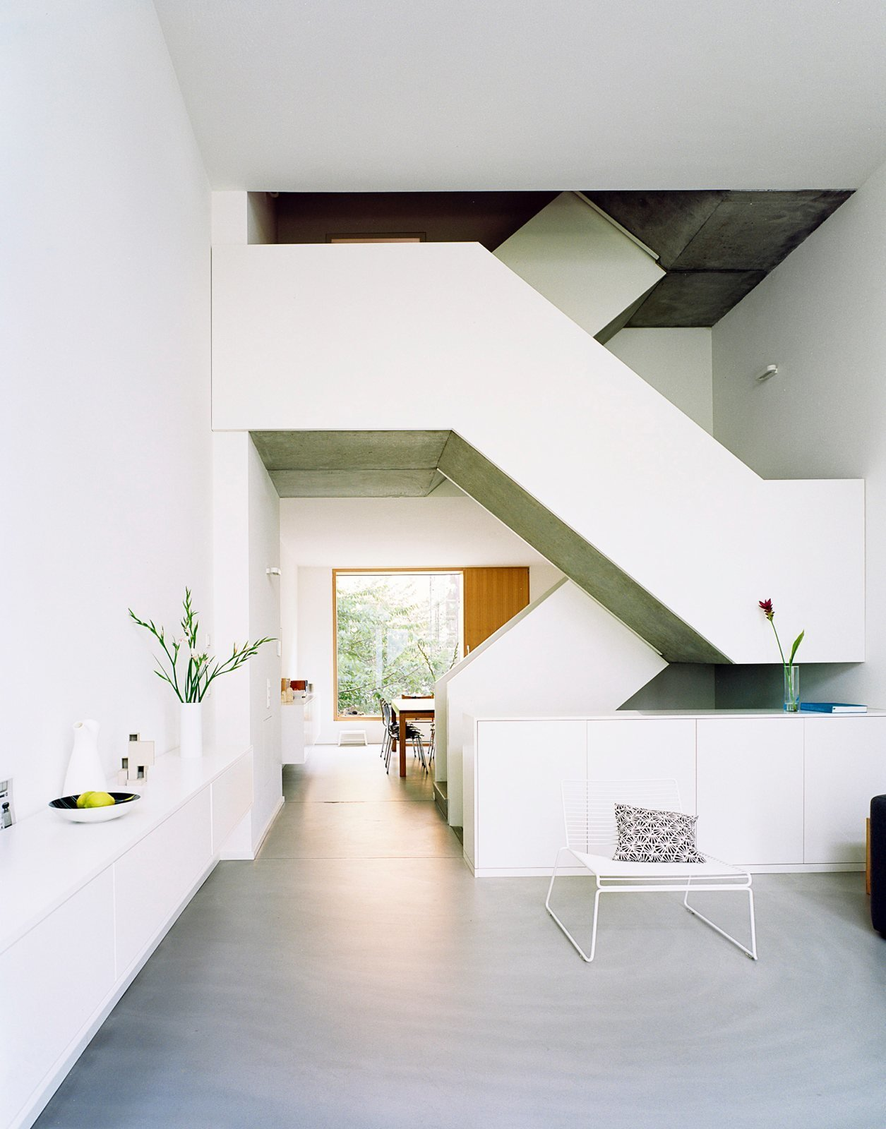 Maisonette staircase. ze05 by Zanderroth Architekten. © Simon Menges.  upinteriors.com/go/sph257  Best Photos from Stairways