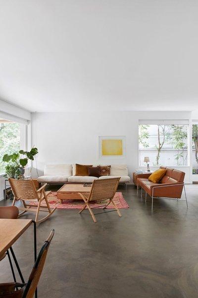 Japanese-Nordic style living space. Home of Barbara Hvidt and Jan Gleie. © Birgitta Wolfgang.  upinteriors.com/go/sph138  Living rooms