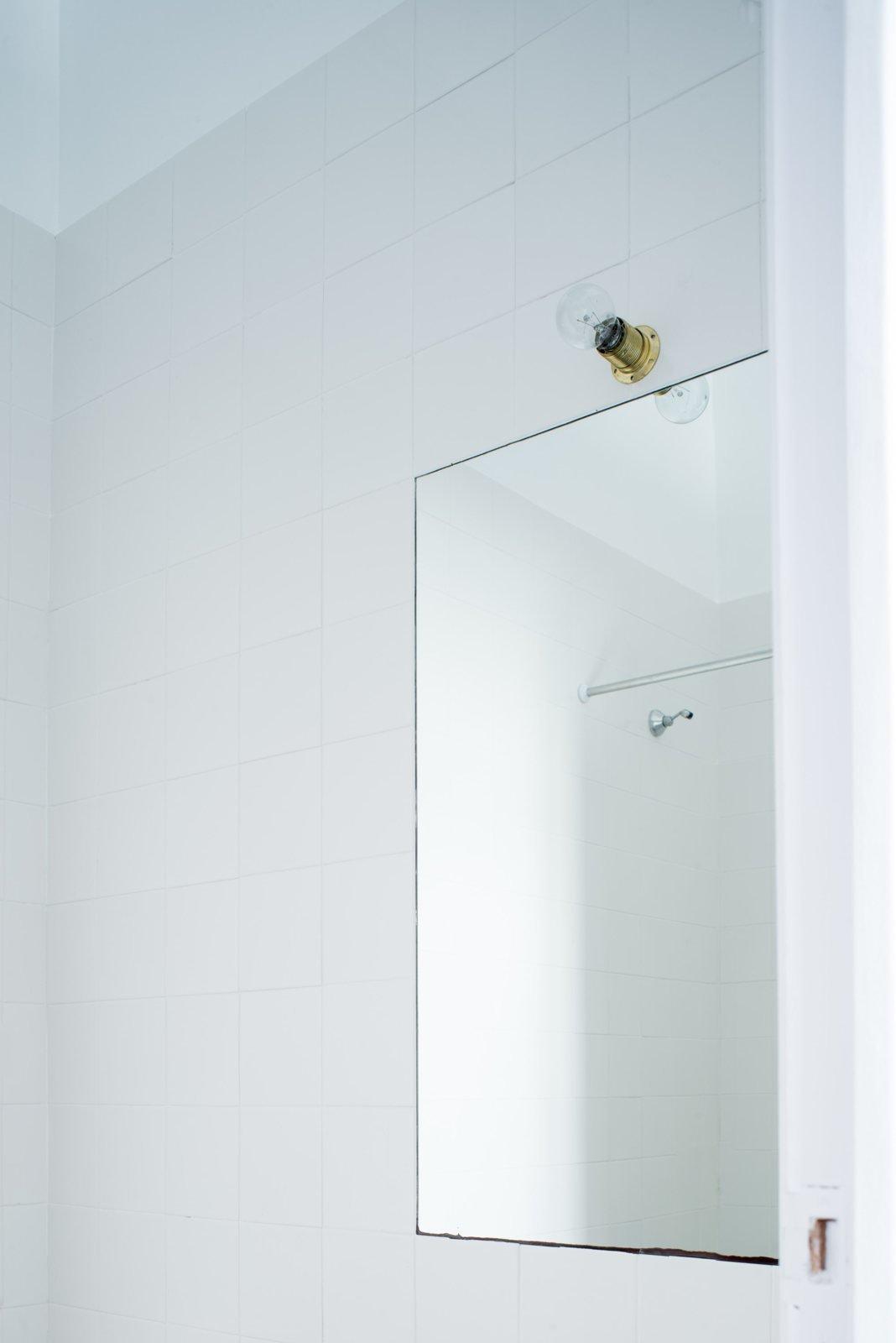 Simple bathroom vanity. Low Cost Bathroom by João Carmo Simões Architecture.  upinteriors.com/go/sph57  Details