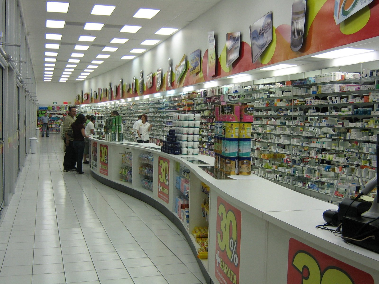 PHARMACY CHAIN Mexicali, BC, MX Design-Build (Interiors) 10,000sf  RETAIL STORES