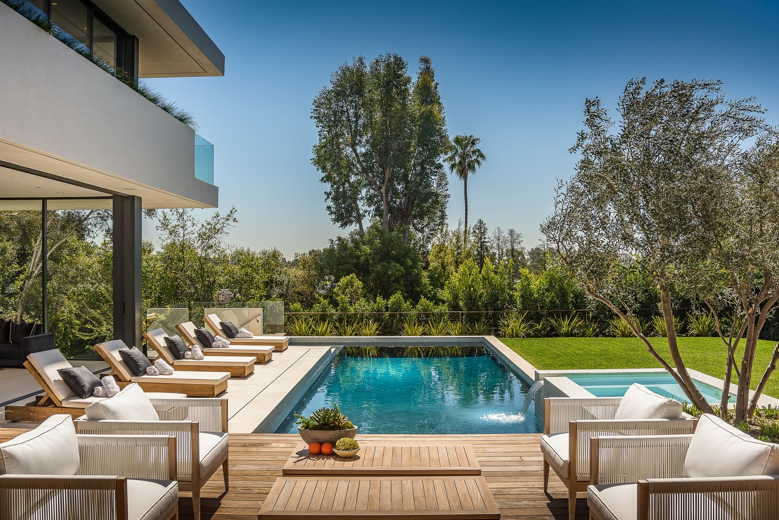 Pool Terrace  Amalfi Drive Residence