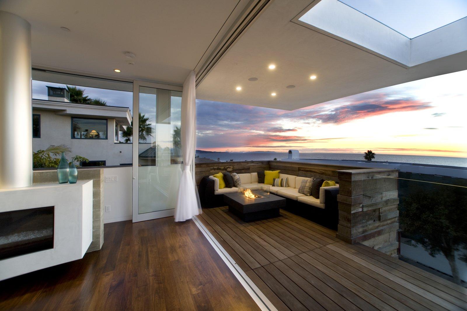 Terrace  Manhattan Beach Residence