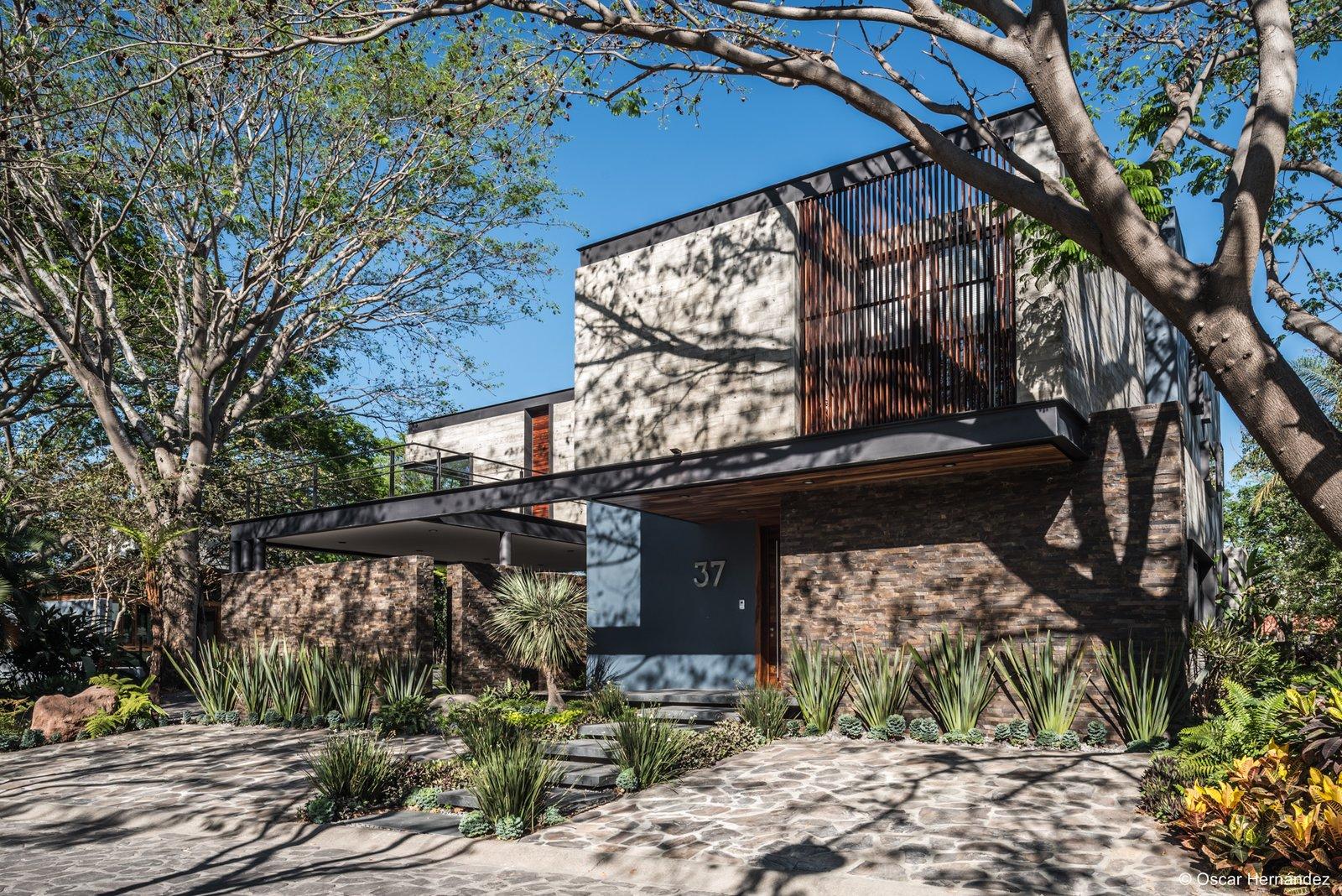 Shadows follows Architecture  Casa Kalyvas by Taller de Arquitectura