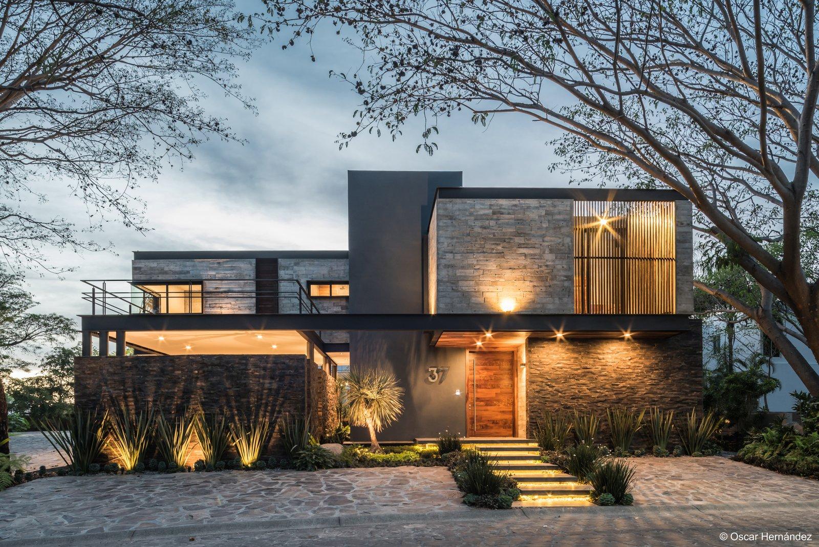 Ilumination  Casa Kalyvas by Taller de Arquitectura
