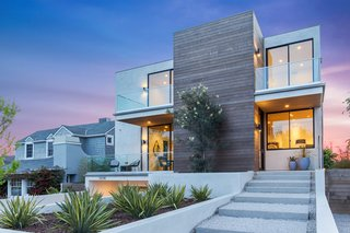 2017 Pacific Palisades Custom Home Draws Breathtaking Views for $6.5 million