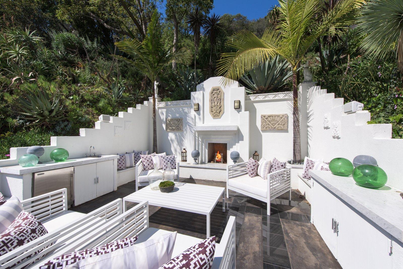 Max Ember\'s Art Deco Inspired Streamline Moderne Modern Home in Los ...